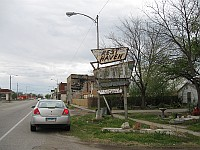 USA - Afton OK - Abandoned Rest Haven Motel Neon Sign Sign (16 Apr 2009)